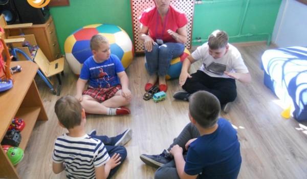 Как приучить ребенка слышать и слушаться