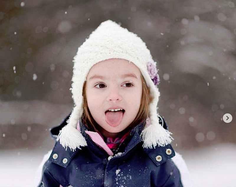 Почему ребенок чихает