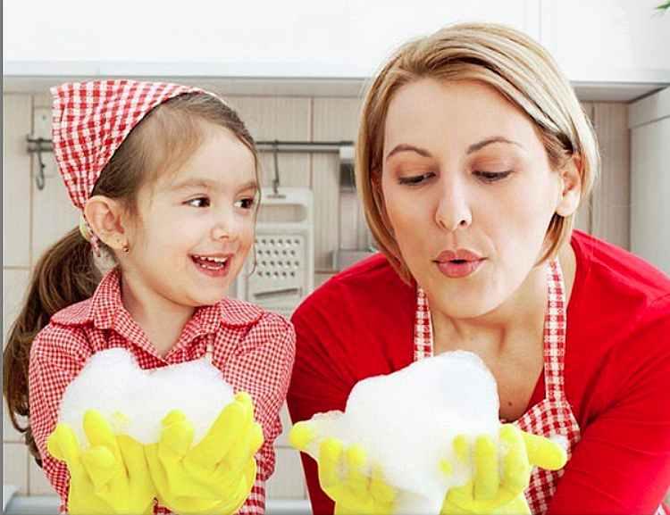 Помощь по дому, что может делать ребенок