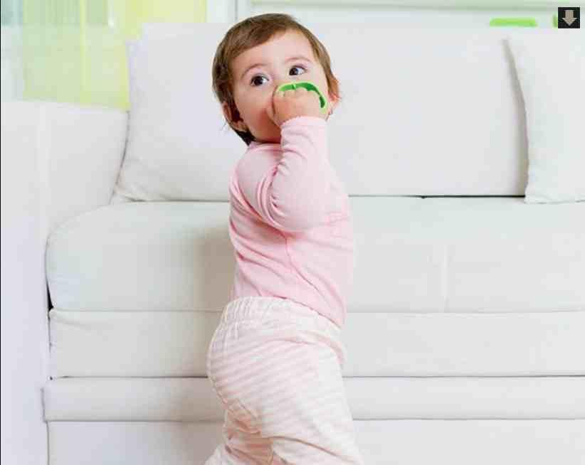 Четыре мифа о первых шагах ребенка